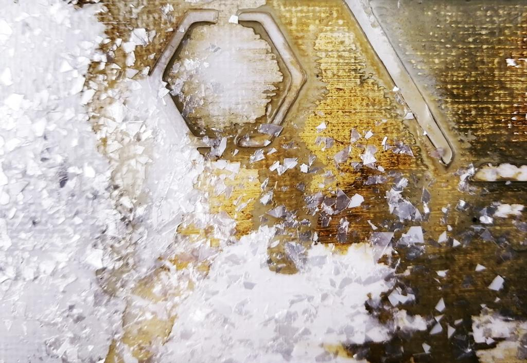 utilisation de gel de texture à effet flocons blancs de Liquitex